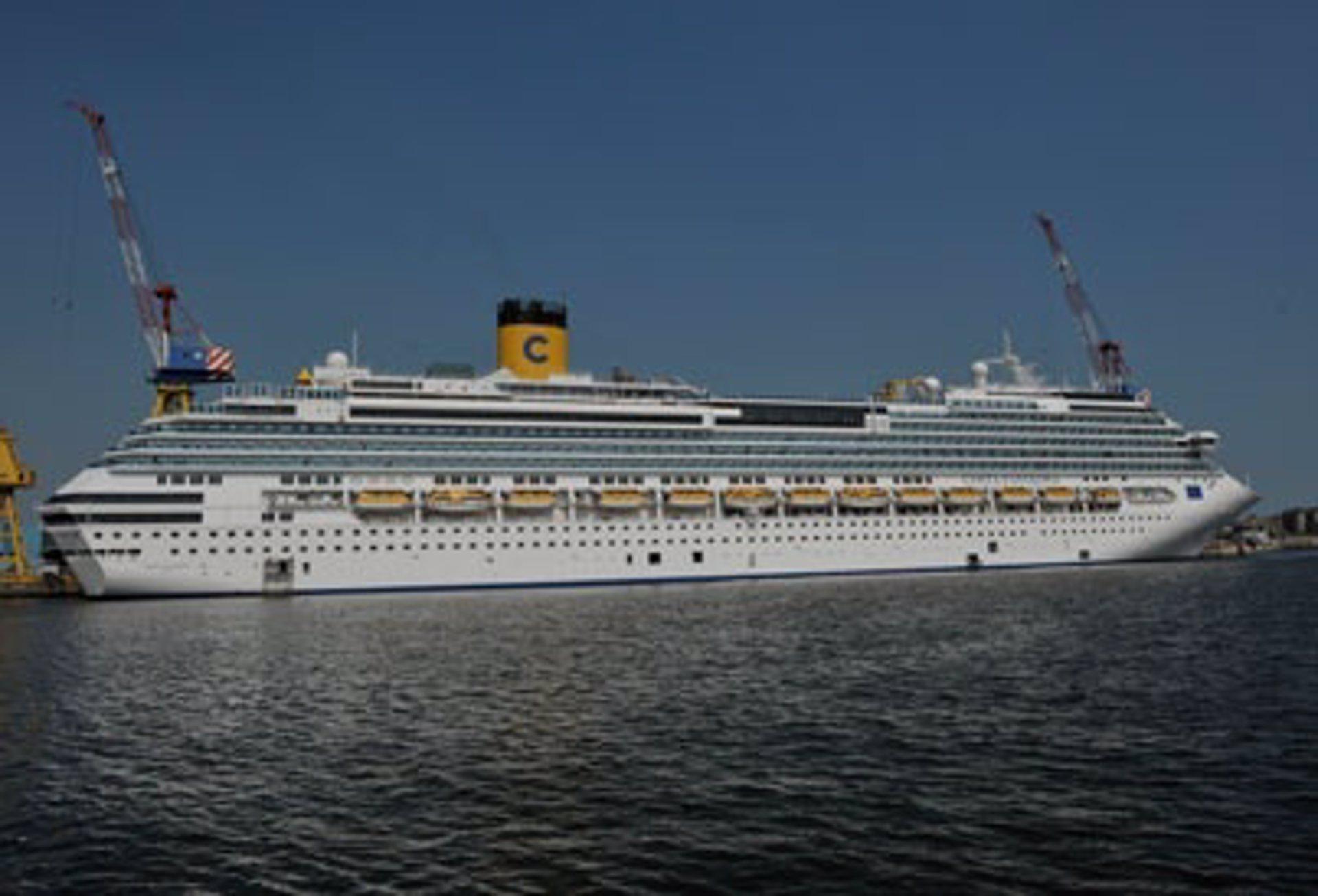 90a7ab1bb La naviera italiana Costa Crociere inaugura su decimoquinto barco, el Costa  Favolosa
