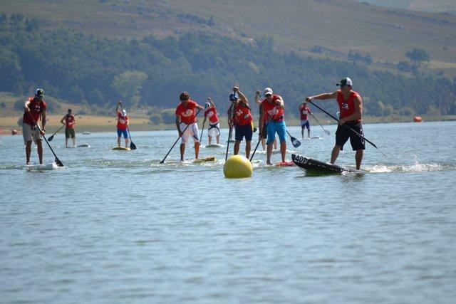Paddle Surf En El Pantano Del Ebro