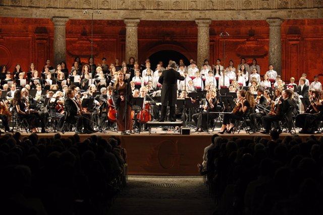 El Coro De La Generalitat Actúa En El Madrid Arena