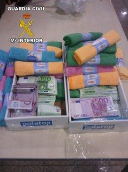 Dinero Incautado En Paquetes De Toallitas