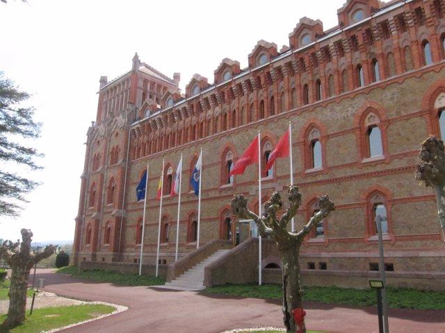 Seminario Mayor De La Universidad Pontificia De Comillas