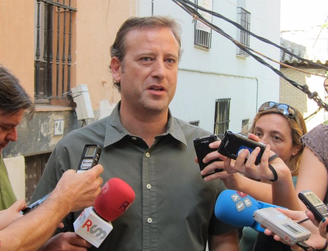 Aurelio San Emeterio IU Canutazo