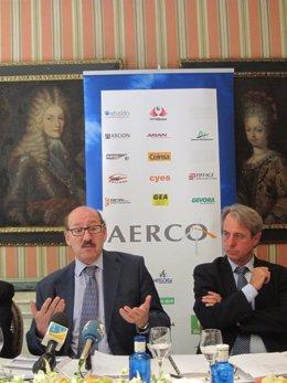 El Presidente De Aerco, Javier Sáenz De Cosculluela, Y El Gerente De La Patronal