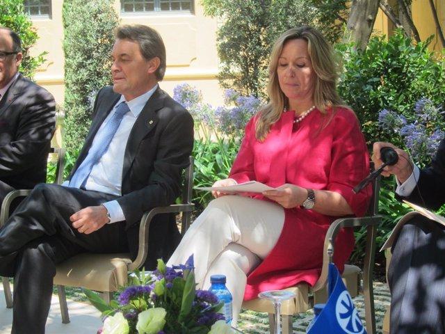 El Presidente De La Generalitat, Artur Mas, Y La Ministra Trinidad Jiménez