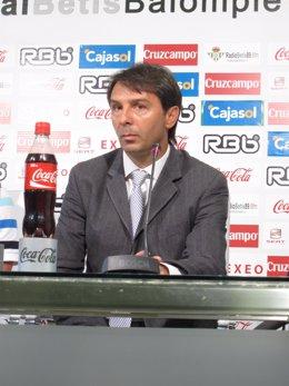 Vlada Stosic, Director Deportivo Del Betis