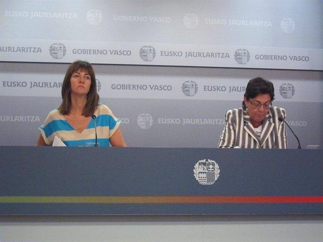 Idoia Mendia (A La Izquierda) Y Pilar Unzalu.