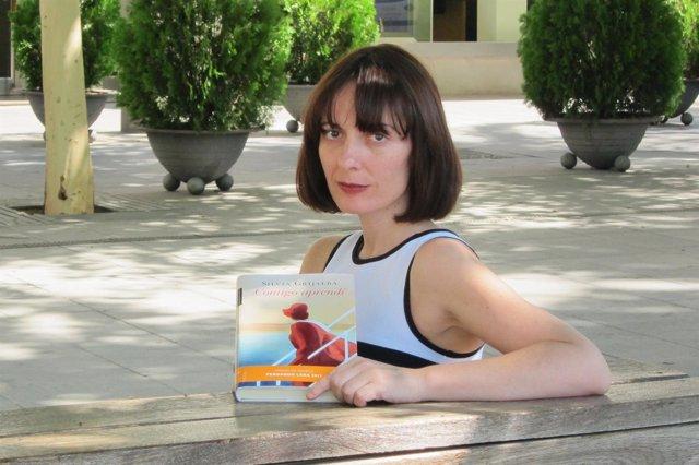 Silvia Grijalba Presenta Su Novela 'Contigo Aprendí' En Sevilla