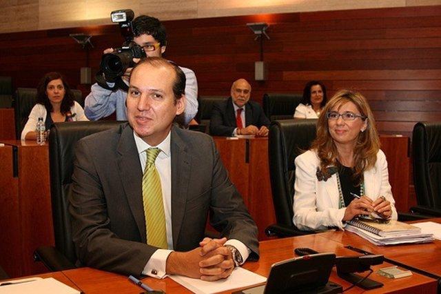 Hernández Carrón Y Cristina Teniente