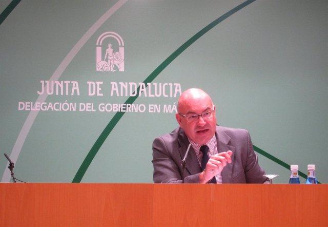 El Delegado De Educación De La Junta En Málaga