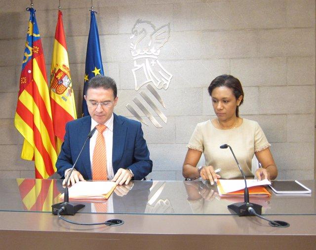 Castellano Y Johnson En La Rueda De Prensa  Tras La Reunión