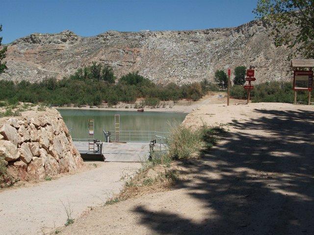 Muro De Protección Del Ebro En Torres De Berrellén (Zaragoza)