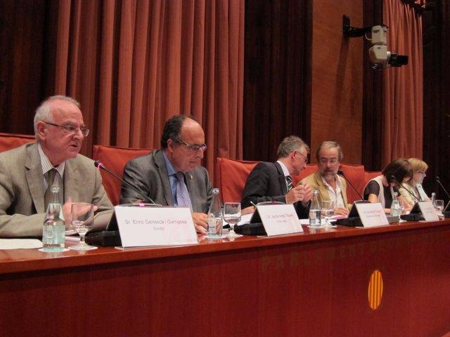 Mesa De La Comisión De La Sindicatura De Cuentas De Catalunya