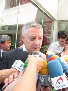 El Vicesecretario General Del PSOE, José Blanco