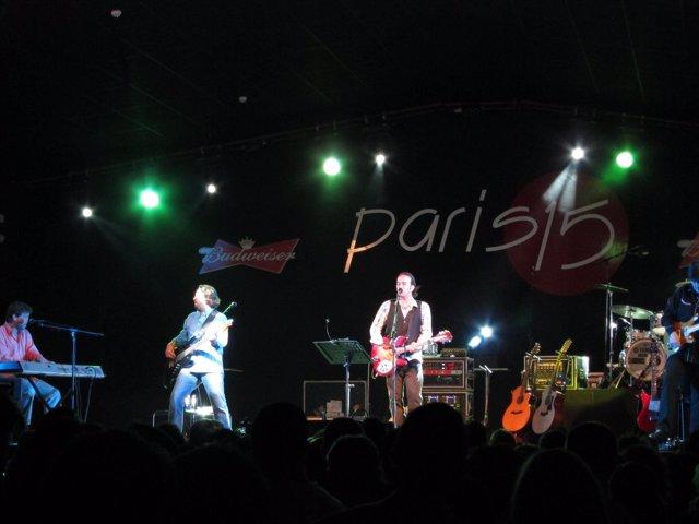 Concierto De Los Secretos En La Sala París 15