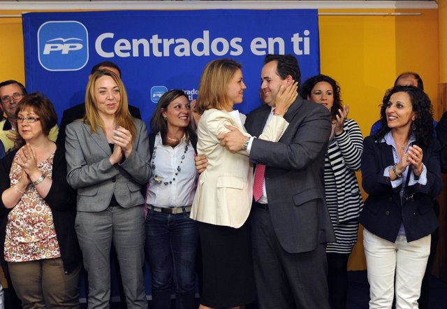 Cospedal Con Francisco Núñez En Almansa