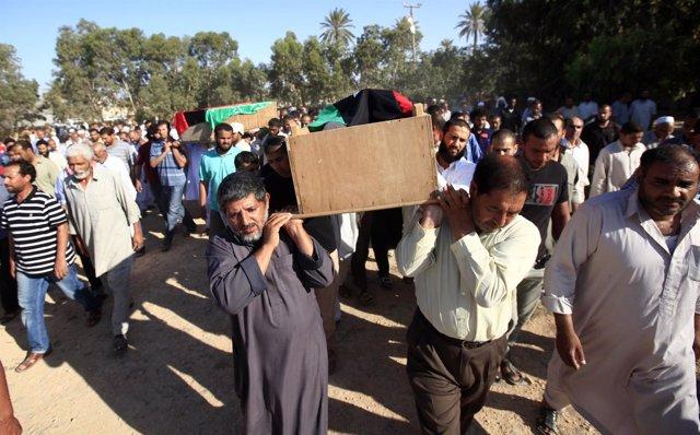 Funeral Por Varios Rebeldes Libios Muertos En Combate