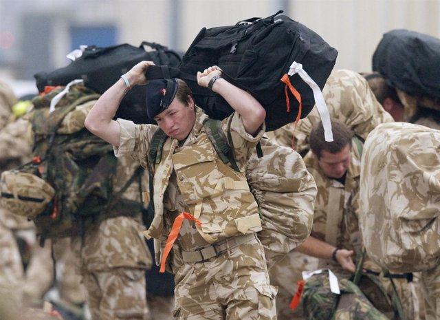Soldados Británicos