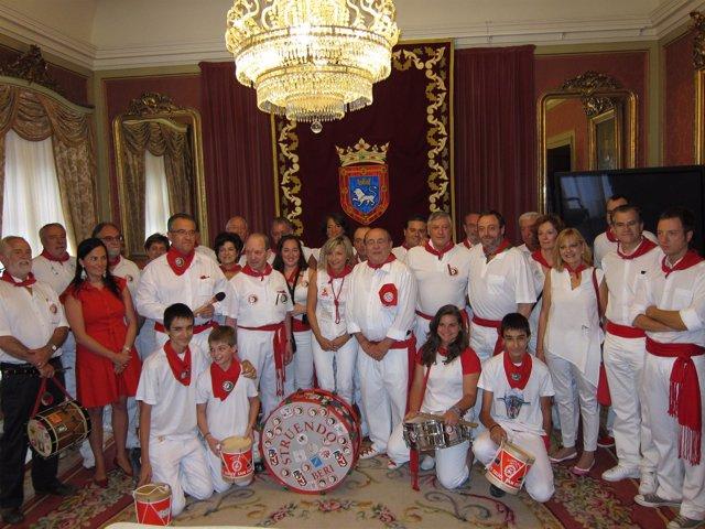 Recepción En El Ayuntamiento De Pamplona A Miembros Del Struendo.