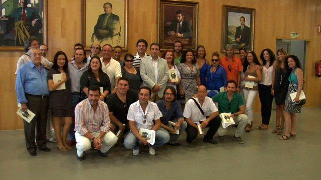 El Presidente De La Diputación, Elias Bendodo, En Una Reunión Con Artistas