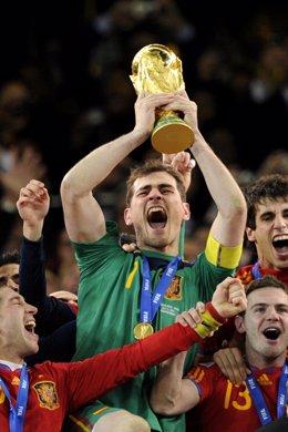Iker Casillas celebrando el Mundial de Fútbol