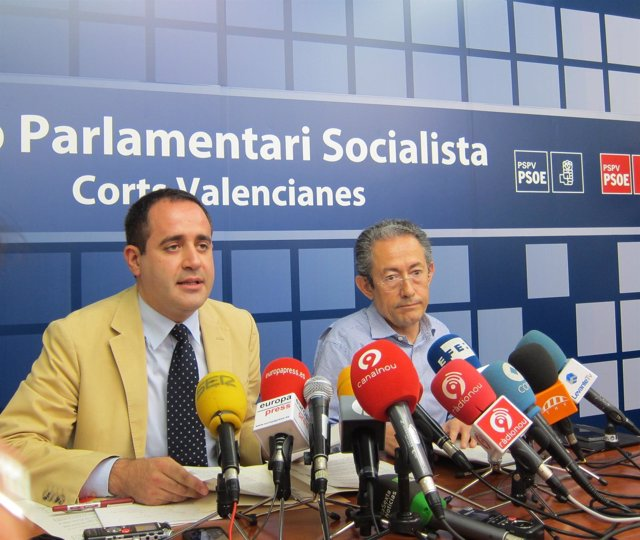 El Secretario General Del PSPV, Jorge Alarte, Y El Diputado Ángel Luna