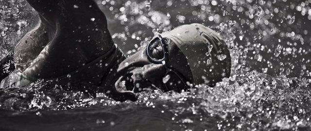 Más De 600 Nadadores Participarán En La XIX Travesia Al Puerto De Valencia