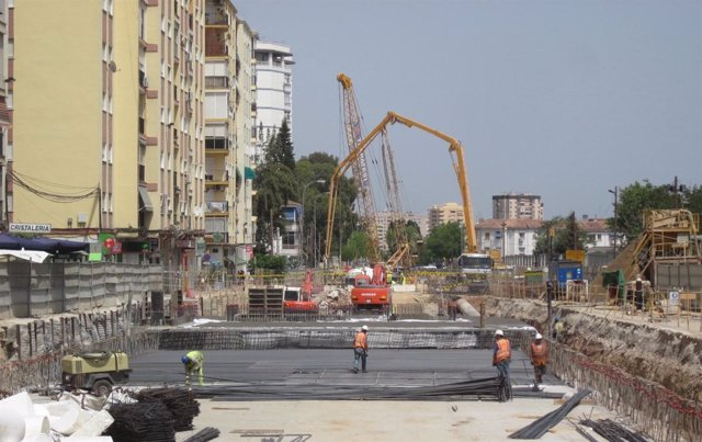 Avance De Las Obras En Superficie Del Metro En Calle Cómpeta