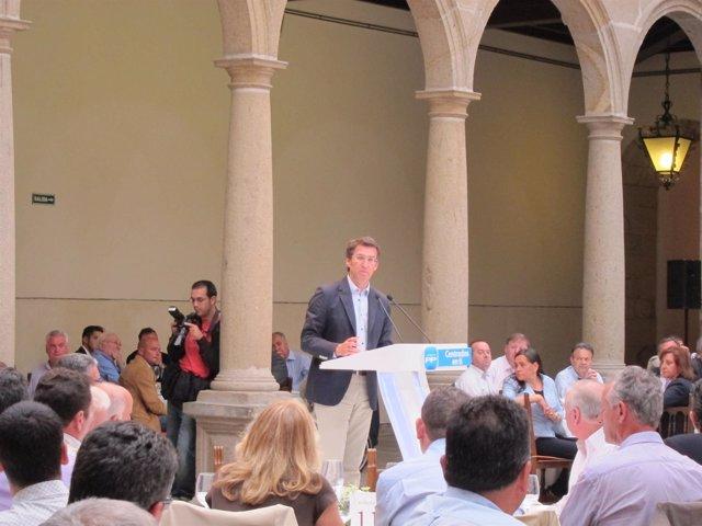Núñez Feijóo En Un Acto Con Los Candidatos Populares  En Galicia