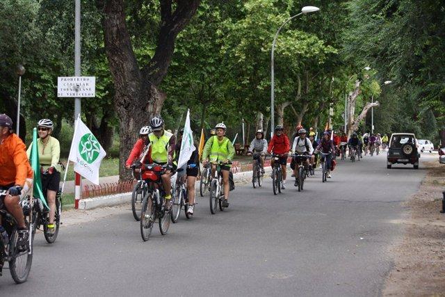 Marcha 'Vive El Ebro' A Su Paso Por Lodosa.