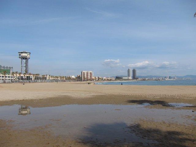 Playa de Sant Sebastià de Barcelona