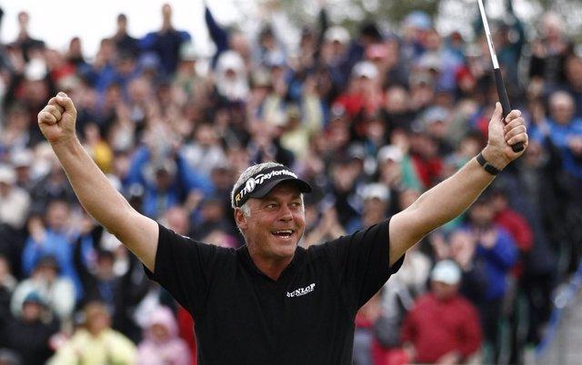 El Golfista Norirlandés Darren Clarke Celebra Su Victoria En El 'British'