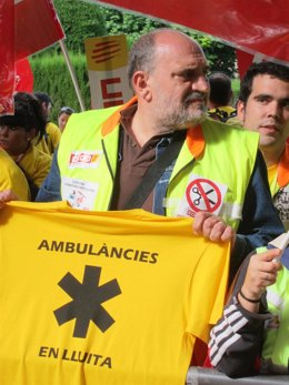 Conductores De Ambulancia Protestan Ante El Parlament