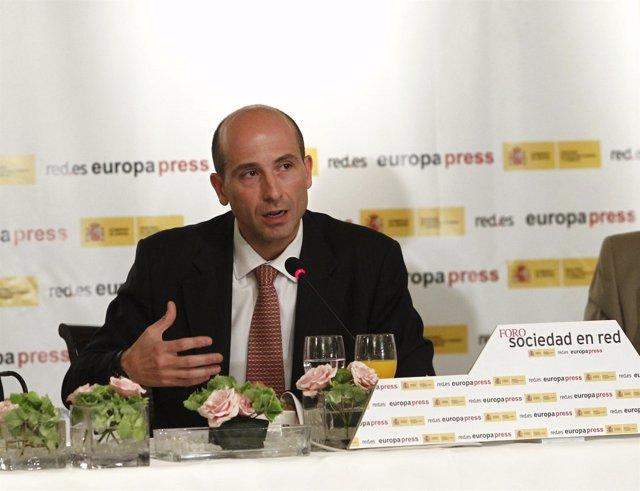 El Secretario De Estado De Telecomunicaciones, Juan Junquera