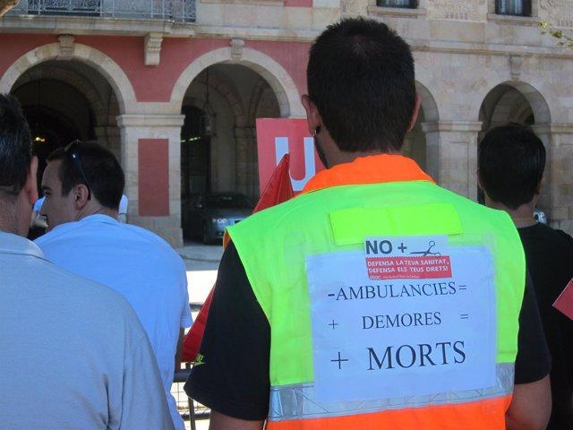 Protesta De Conductores De Ambulancias Ante El Parlament