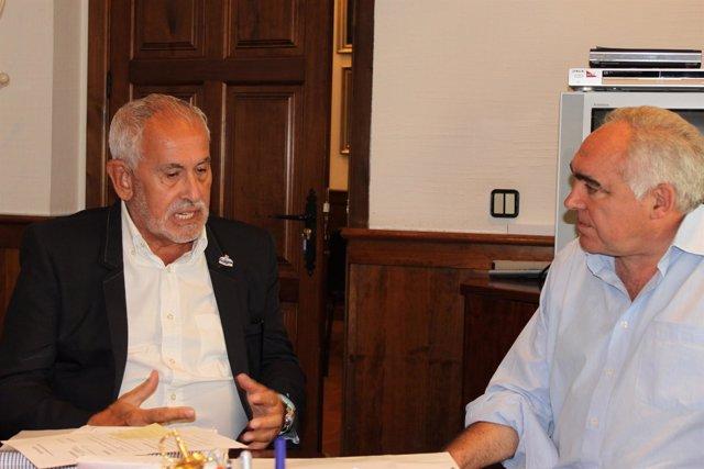 El Presidente De La Fundación Titánic, Jesús Ferreiro, Y Pedro Acedo