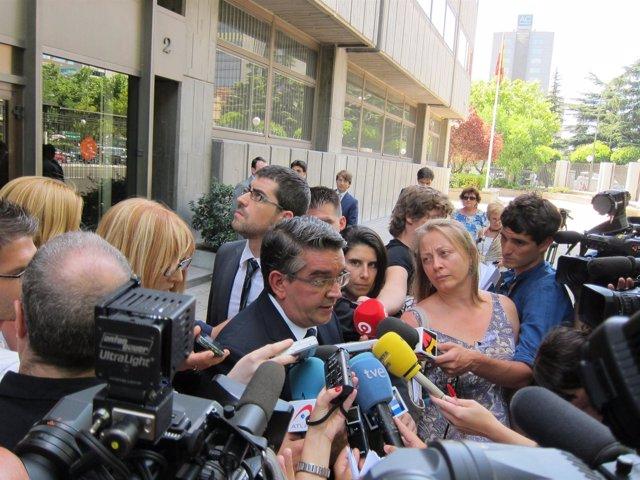 Consejero Valenciano De Economía A La Entrada Del Consejo De Política Fiscal