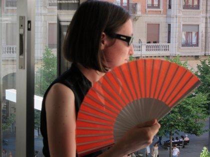 Cruz Roja recomienda beber líquidos, llevar ropa ligera y cubrirse la cabeza para prevenir un golpe de calor