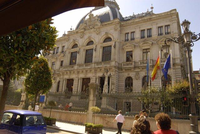 Parlamento Regional de Oviedo (Asturias)
