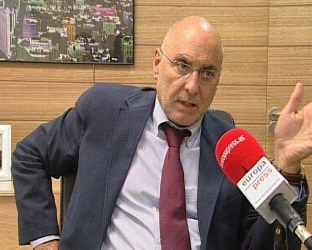 """Ares acusa a Bildu de """"hacer guiños"""" a ETA"""
