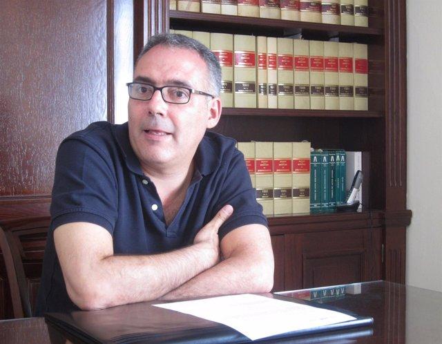 El Decano Del Colegio De Arquitectos, Antonio Vargas