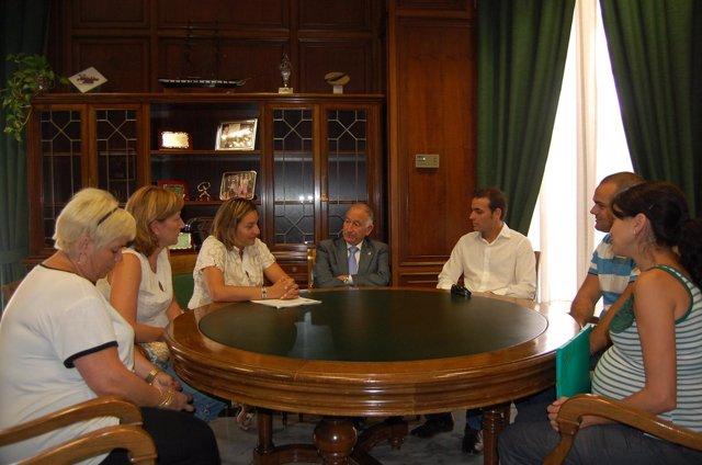 Reunión En El Municipio De Viator
