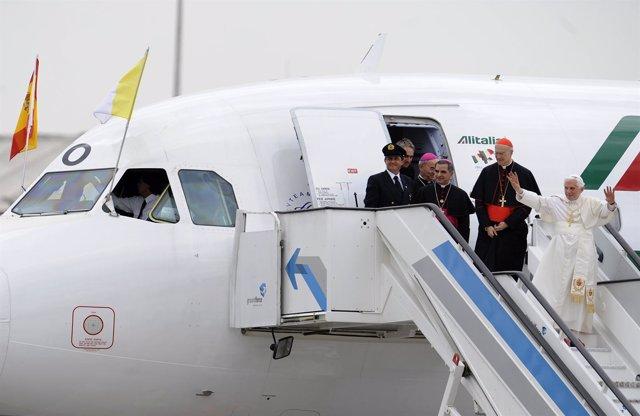 El Papa Benedicto XVI Llega A Barajas Para La JMJ
