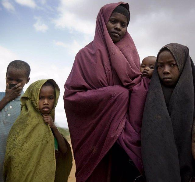 Niños Y Mujeres Hambre Somalia