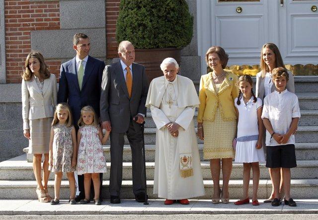 La Familia Real Recibe Al Papa En La Zarzuela