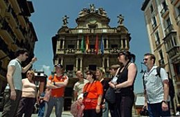 Turistas En Pamplona.