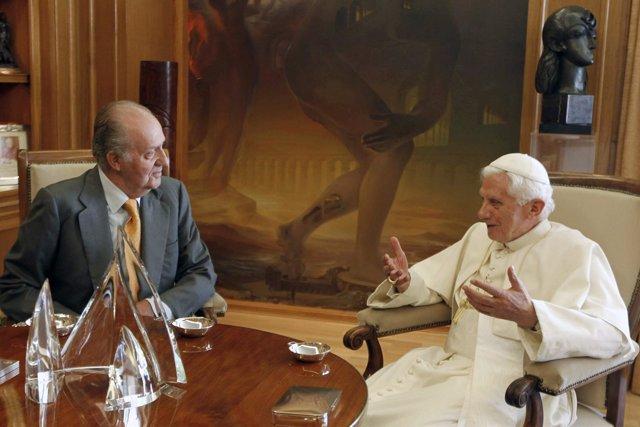 El Rey Juan Carlos Y El Papa Benedicto XVI En La Zarzuela