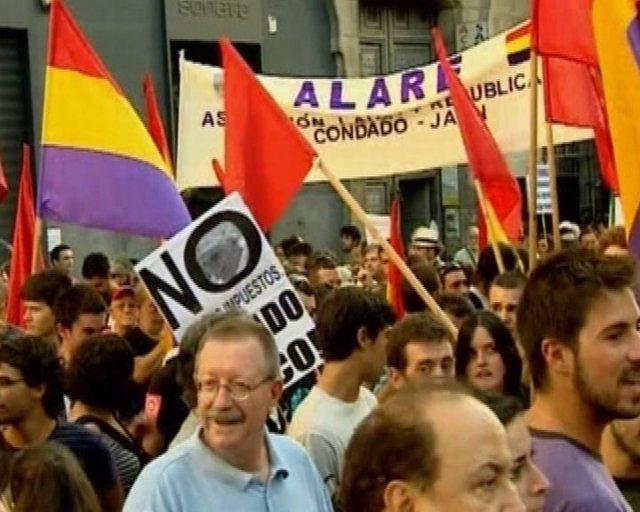 Ambiente caldeado en la manifestación laica
