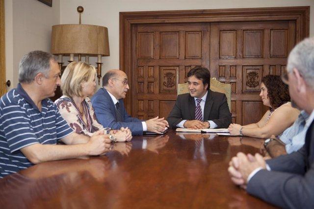 Diego Movellán Con Miembros De ASPACE