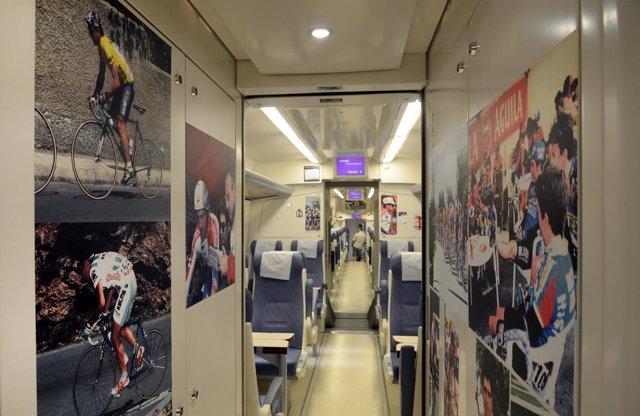 Exposición Sobre Ciclismo En Trenes De Media Distancia Entre Murcia Y Valencia