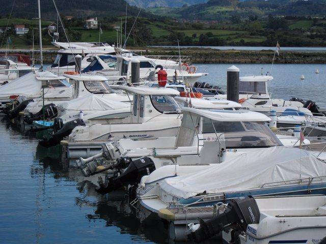 Barcos deportivos en El Puntal